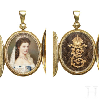 Empress Elisabeth of Austria – a locket with a portrait and curls of hair, probably a personal gift from the Empress after the coronation, circa 1867